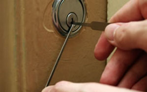 Door locks Lymm